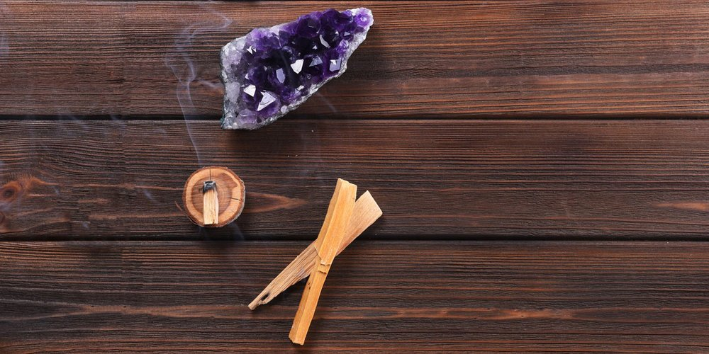 The Benefits of Palo Santo Healing Sticks