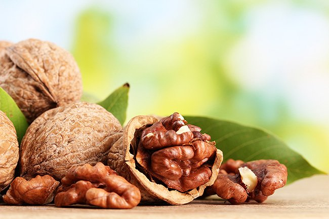 Mind Fuel Daily Wellness Guide: 10 Healthy Snack Options