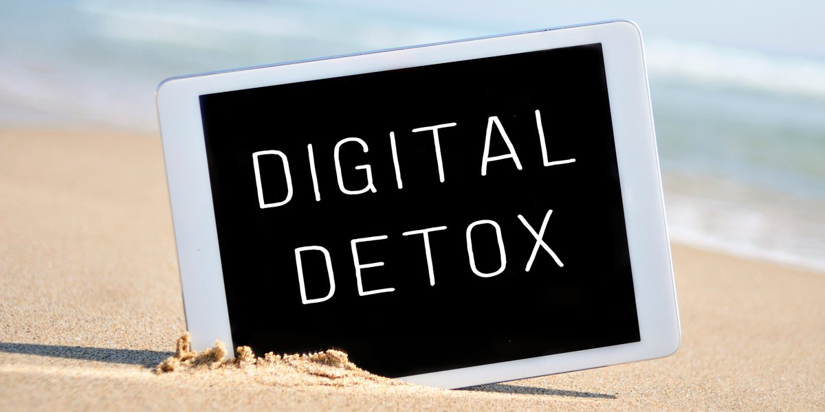5 Reasons to Combine a Yoga Retreat with a Digital Detox