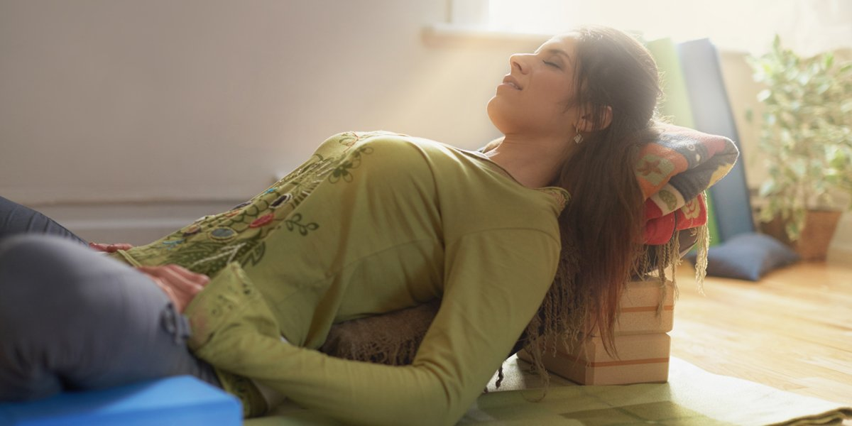 How to Use Meditation and Yoga to Beat Insomnia and Sleep Better