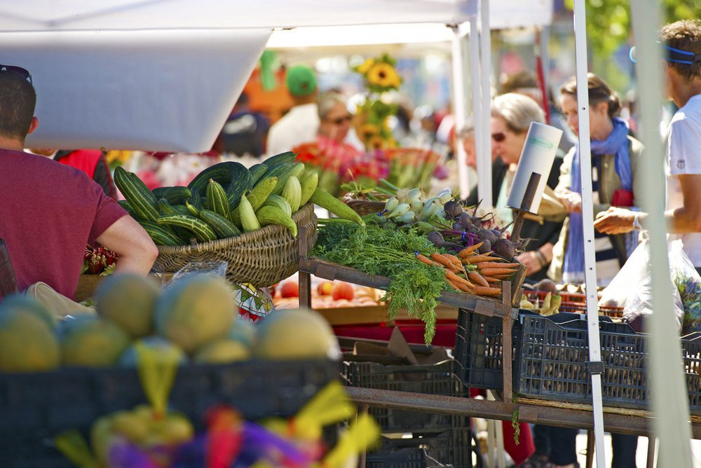 Three Reasons to Eat Local Food